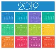 Calendario colorido del año 2019 imagenes de archivo