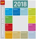 Calendario colorido por el año 2018, en español fotos de archivo libres de regalías