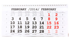 Calendario con il giorno di biglietti di S. Valentino del segno rosso il 14 febbraio - Immagini Stock Libere da Diritti