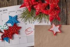 Calendario con la fecha marcada del día de la Navidad Fotos de archivo libres de regalías