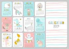 Calendario creativo mensual 2019 con los animales lindos Concepto, plantilla editable vertical del vector Símbolo del año en ilustración del vector