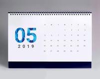 Calendario de escritorio simple 2019 - mayo foto de archivo libre de regalías