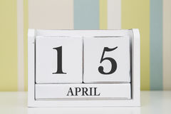 Calendario de la forma del cubo para el 15 de abril Imagen de archivo