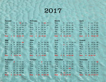 Calendario del año 2017 - los Estados Unidos de América con el backgroun del mar Foto de archivo
