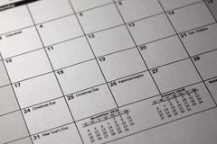Calendario del desktop e della penna 24 e 25 dicembre 2018 Notte di Natale e giorno di Natale sul calendario Immagine Stock
