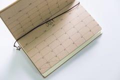 Calendario 2017 del vintage en el cuaderno de cuero hecho a mano Fotografía de archivo libre de regalías
