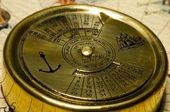 Calendario dell'oro di vecchio stile Fotografie Stock Libere da Diritti