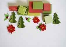 Calendario di avvenimento Il processo della creazione, fatto a mano Regali nelle scatole Nuovo anno Natale fotografie stock libere da diritti
