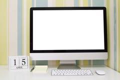 Calendario di forma del cubo per il 15 aprile Fotografia Stock Libera da Diritti