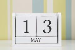 Calendario di forma del cubo per il 13 maggio Fotografia Stock Libera da Diritti