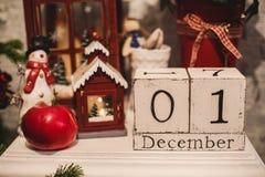 Calendario di legno di Natale nell'interno Fotografia Stock