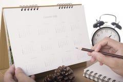 Calendario 2018 en oficina del escritorio la gestión de la organización recuerda Fotos de archivo