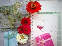 Calendario fondo di giorno di S. Valentino del 14 febbraio Immagine Stock