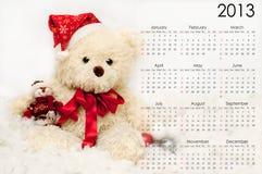 Calendario para 2013 con un oso de peluche festivo Imagen de archivo libre de regalías