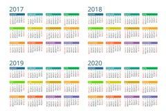 Calendario para 2017, 2018, 2019, 2020 La semana comienza domingo Diseño simple del vector Fotografía de archivo