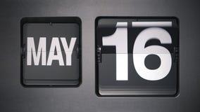 Calendario que muestra mayo almacen de metraje de vídeo