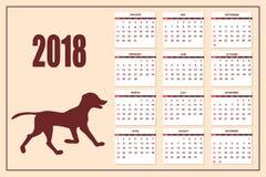 Calendrier créatif avec le chien de jouet tiré pendant l'année 2018 de mur Photos stock