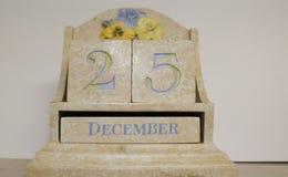 Calendrier de bureau apparence 25 décembre en céramique image libre de droits