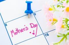 Calendrier montrant le jour de mères Photos stock
