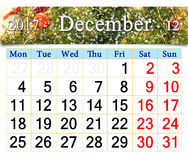 Calendrier pour décembre 2017 avec les décorations Nouveau an d'arbre Image stock