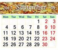 Calendrier pour septembre 2017 avec les feuilles jaunes Photographie stock libre de droits
