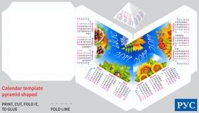 Calendrier russe 2019 de calibre par la pyramide de saisons formée Image stock