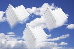 Calendriers et ciel de planificateur de jour Images stock