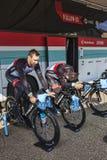 Calentamiento de los ciclistas Imágenes de archivo libres de regalías