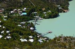Caleta Tortel, un villaggio costiero minuscolo situato nel mezzo dei fiordi dei €™s di Aysen Southern Chileâ Immagine Stock Libera da Diritti