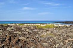 caleton blanco plażowego widok na Lanzarote wyspie kanaryjska w Spain Zdjęcia Stock