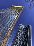 Calgary, Alberta, Canadá, nueva biblioteca central Calgary, Alberta, Canadá Edificio de la torre del cielo y del arco de TELUS fotografía de archivo libre de regalías