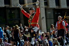 Calgary-Ansturm-Parade 2014 -- größte Show im Freien auf Erde stockbilder