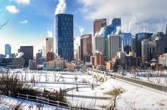 Calgary horisont på en frysa vintermorgon Royaltyfri Bild
