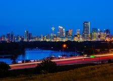 Calgary Kanada på natten Fotografering för Bildbyråer