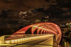 Calgary la nuit Photos stock