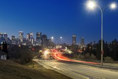 Calgary la nuit photo stock