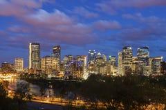 Calgary - panorama de la ciudad fotos de archivo