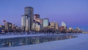 Calgary ` s linia horyzontu przy wschodem słońca Obrazy Royalty Free