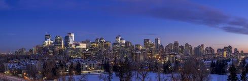 Calgary ` s linia horyzontu przy zmierzchem Fotografia Royalty Free