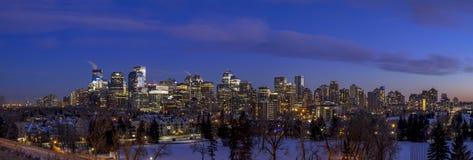 Calgary ` s linia horyzontu przy zmierzchem Obraz Royalty Free