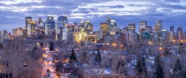 Calgary-Skyline bei Sonnenaufgang Stockbilder