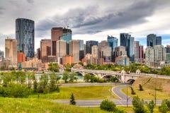 Calgary som är i stadens centrum i HDR Royaltyfri Bild