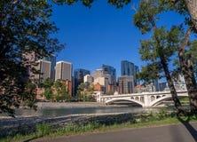 Calgary& x27; orizzonte di s Fotografia Stock