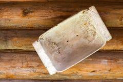 A calha de madeira pendura imagens de stock