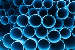 Calhas do Pvc para o sistema de fonte da água imagens de stock royalty free