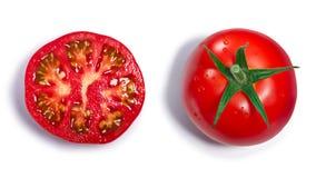 Cali i przekrawający pomidory, odgórny widok, ścieżki Obrazy Royalty Free