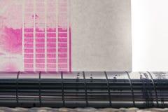 Calibração de impermeabilização Backlit Flexography do teste da estreia do rolo da Web fotografia de stock royalty free