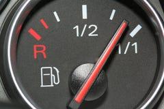 Calibrador de combustible lleno Foto de archivo libre de regalías