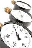 Calibrador de presión en blanco Imágenes de archivo libres de regalías