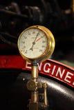 Calibrador de presión (retro) imagenes de archivo